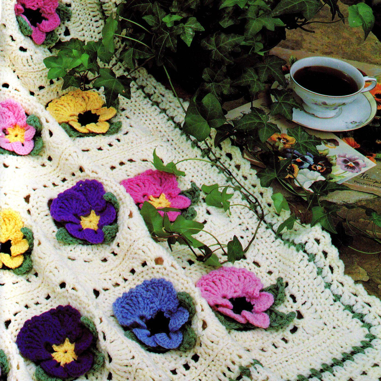 Colcha Amor-Perfeito em Crochê  Padrão Clássico -  /   Bedspread Pansies Crochet Hooks Default Vintage -