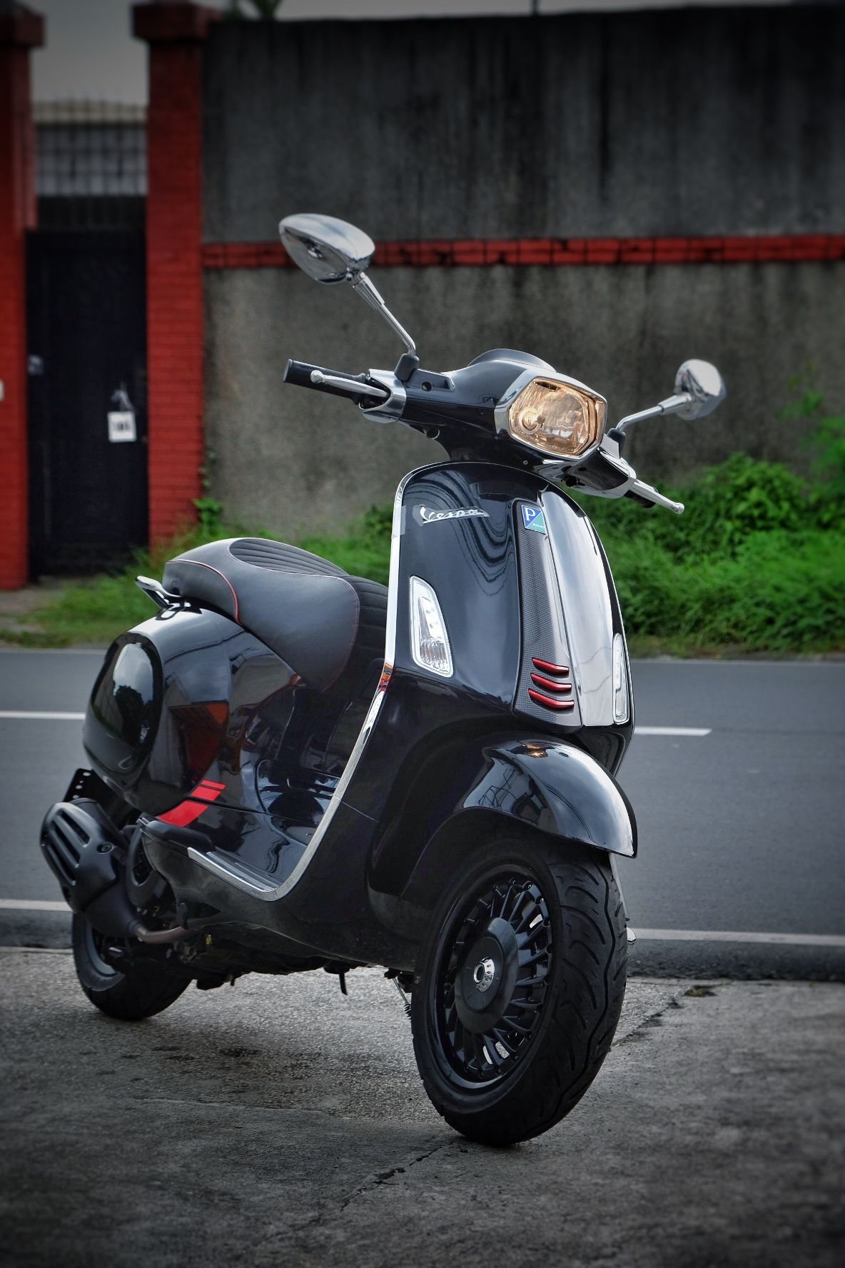 Beste 2018 Vespa Sprint Carbon with 946 rims 👌 | Vespa VK-55