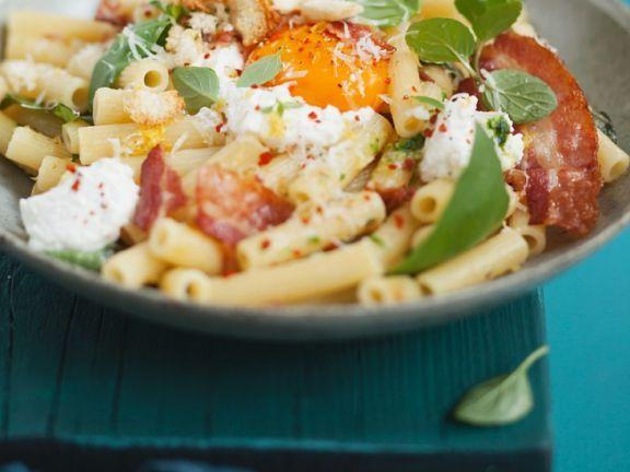 Nudeln mit Käse und Ei ist ein Rezept mit frischen Zutaten aus der Kategorie Spiegelei. Probieren Sie dieses und weitere Rezepte von EAT SMARTER!