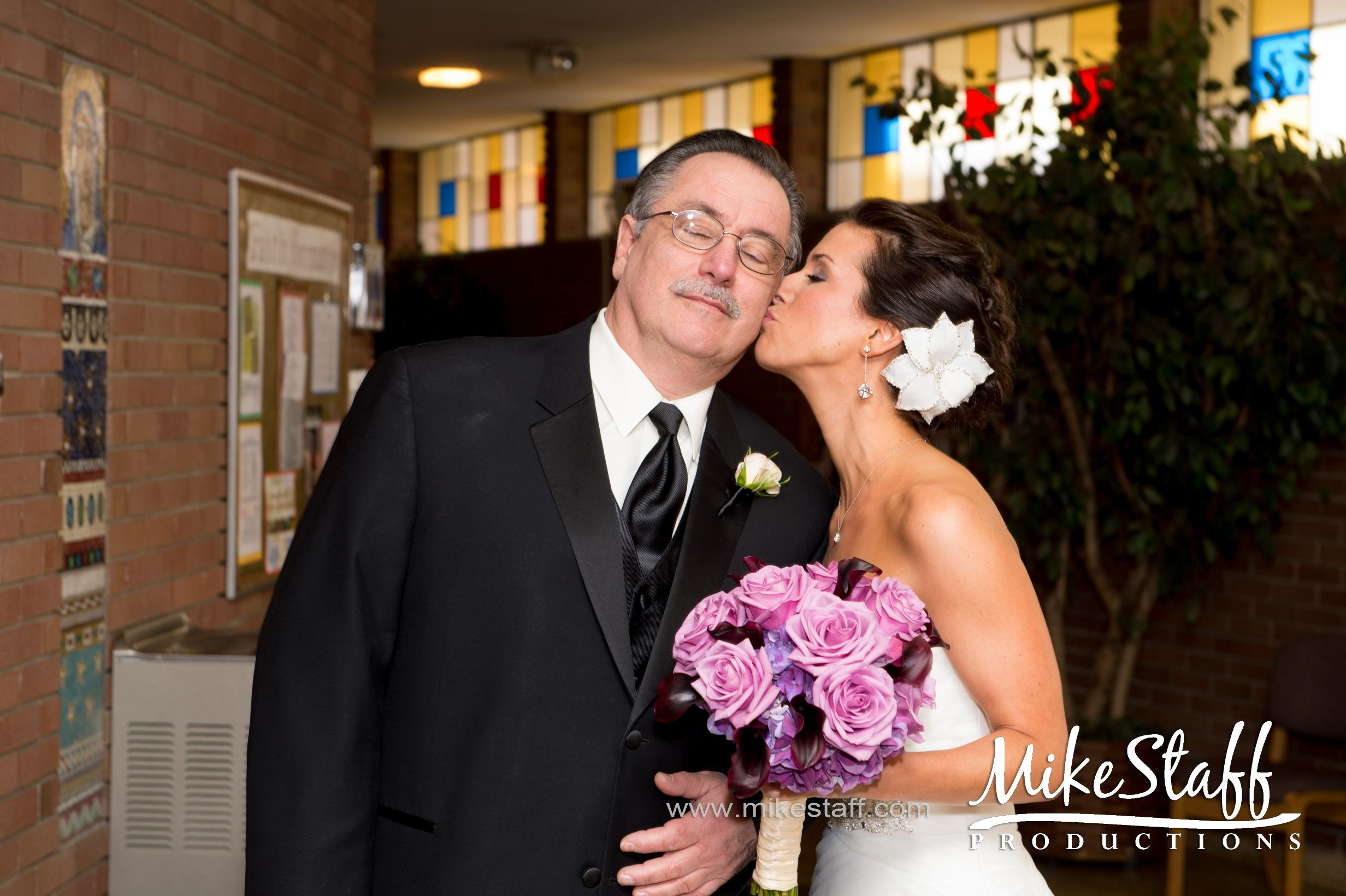 Fun And Creative Michigan Wedding Photographers With Realistic Prices