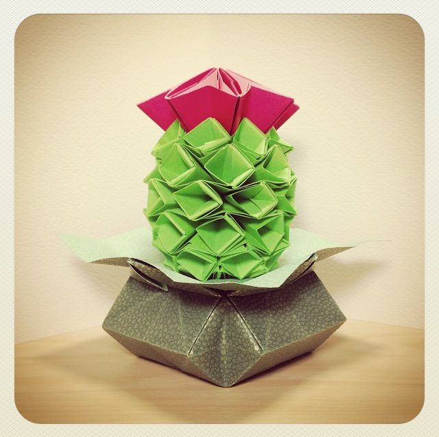 origami cactus (though my sister said it looks rather like a sugar apple in a pot (≧∇≦)