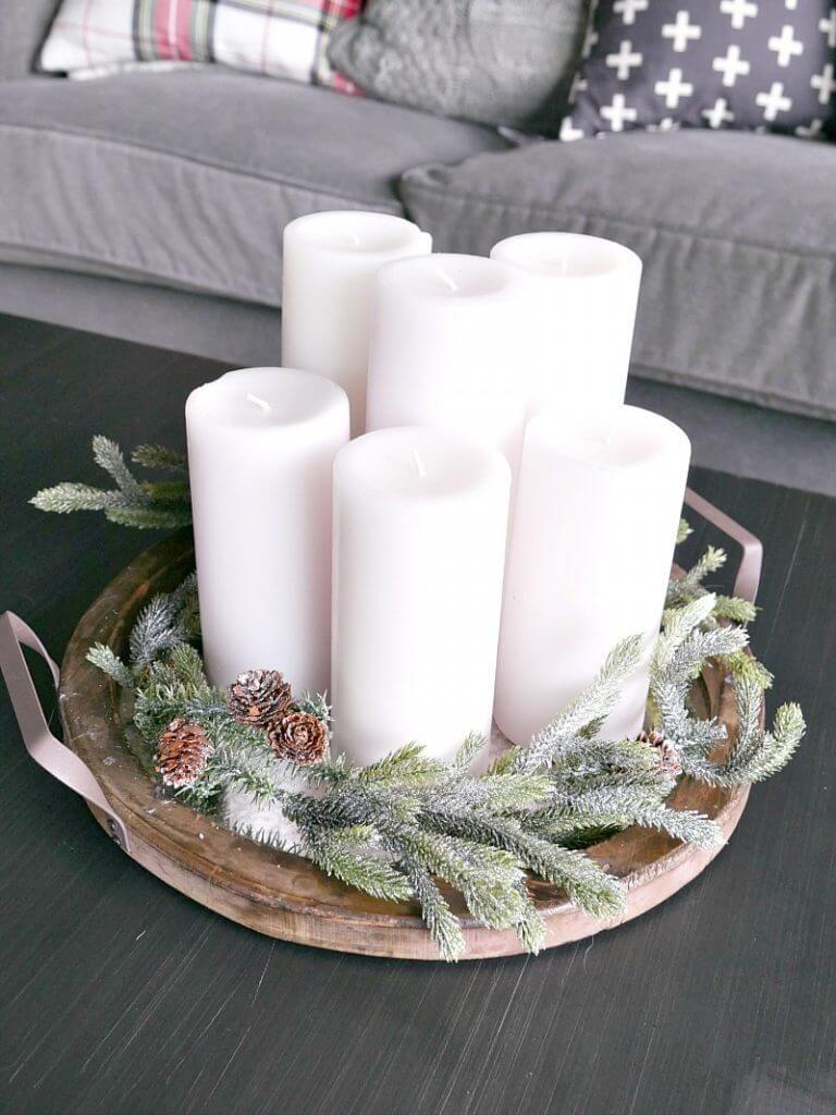 32 Wonderful Rustic Winter Decor Ideas That Still Work After Christmas Rustic Winter Decor Christmas Decorations Rustic Christmas Coffee Table Decor