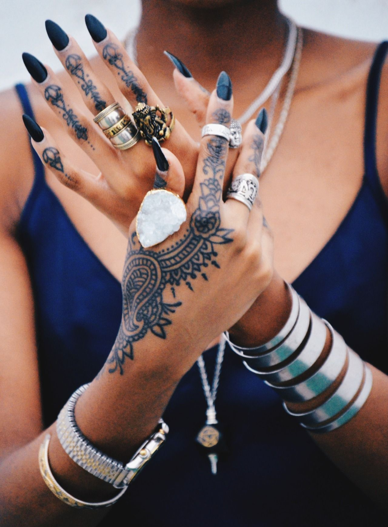 chunky @kortenstein   chunky☻   hand tattoos, henna tattoo designs
