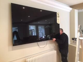 Huge Tv Wall Mounted By The Aerial Man Scotland Wall Mounted Tv Huge Tv Tv Wall