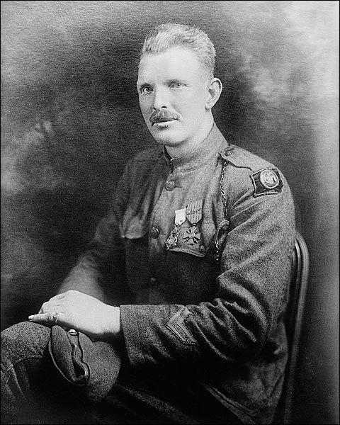 Alvin York - soldado mais condecorado da Primeira Guerra Mundial, muito bem interpretado por Gary Cooper em Sargento York (o filme).