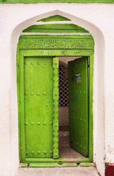 Green wood door ❤