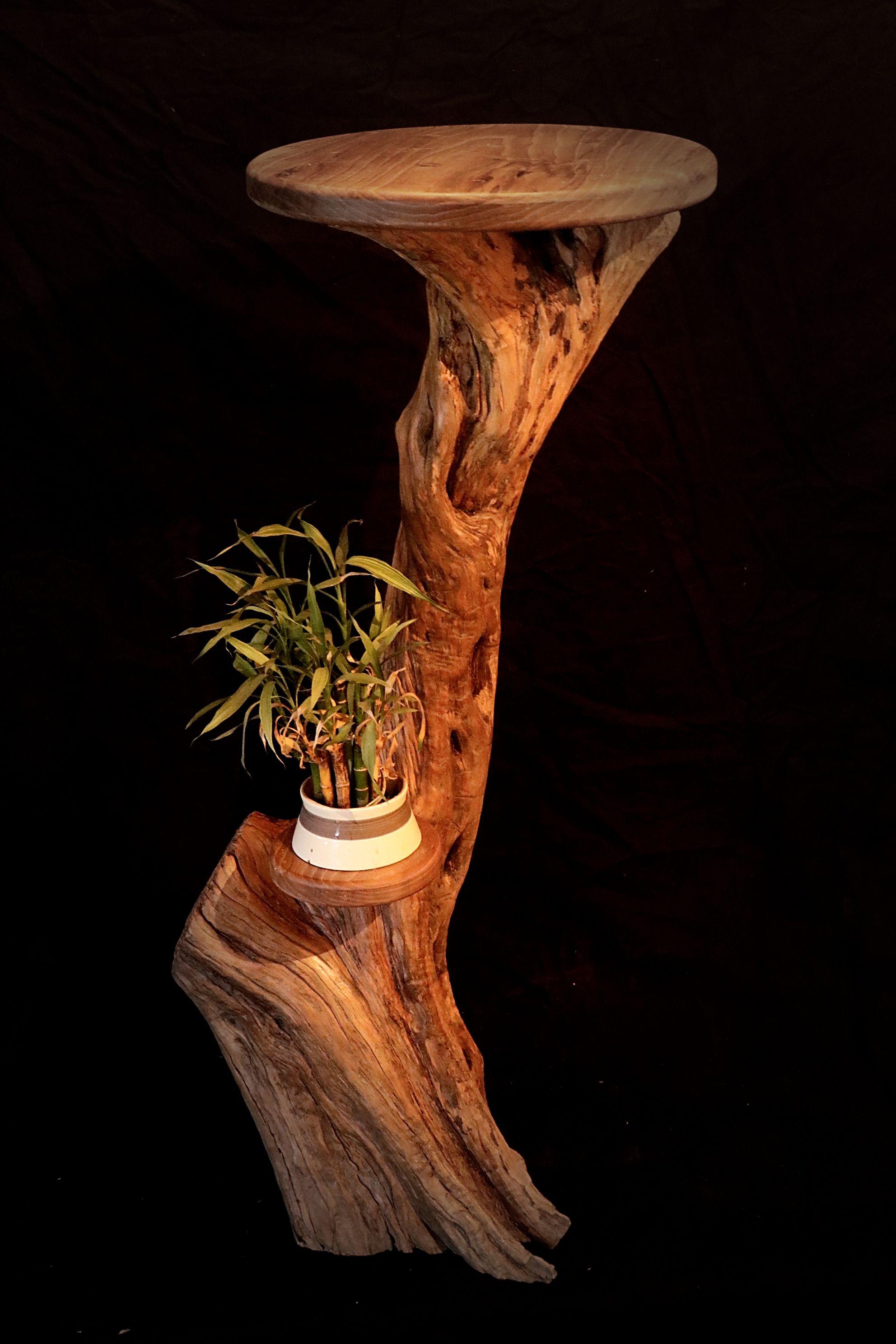 Gueridon En Bois D Olivier Brut Et Tablette En Noyer 100 Bois Mobilier De Salon Idee Deco Bois Mobilier Naturel