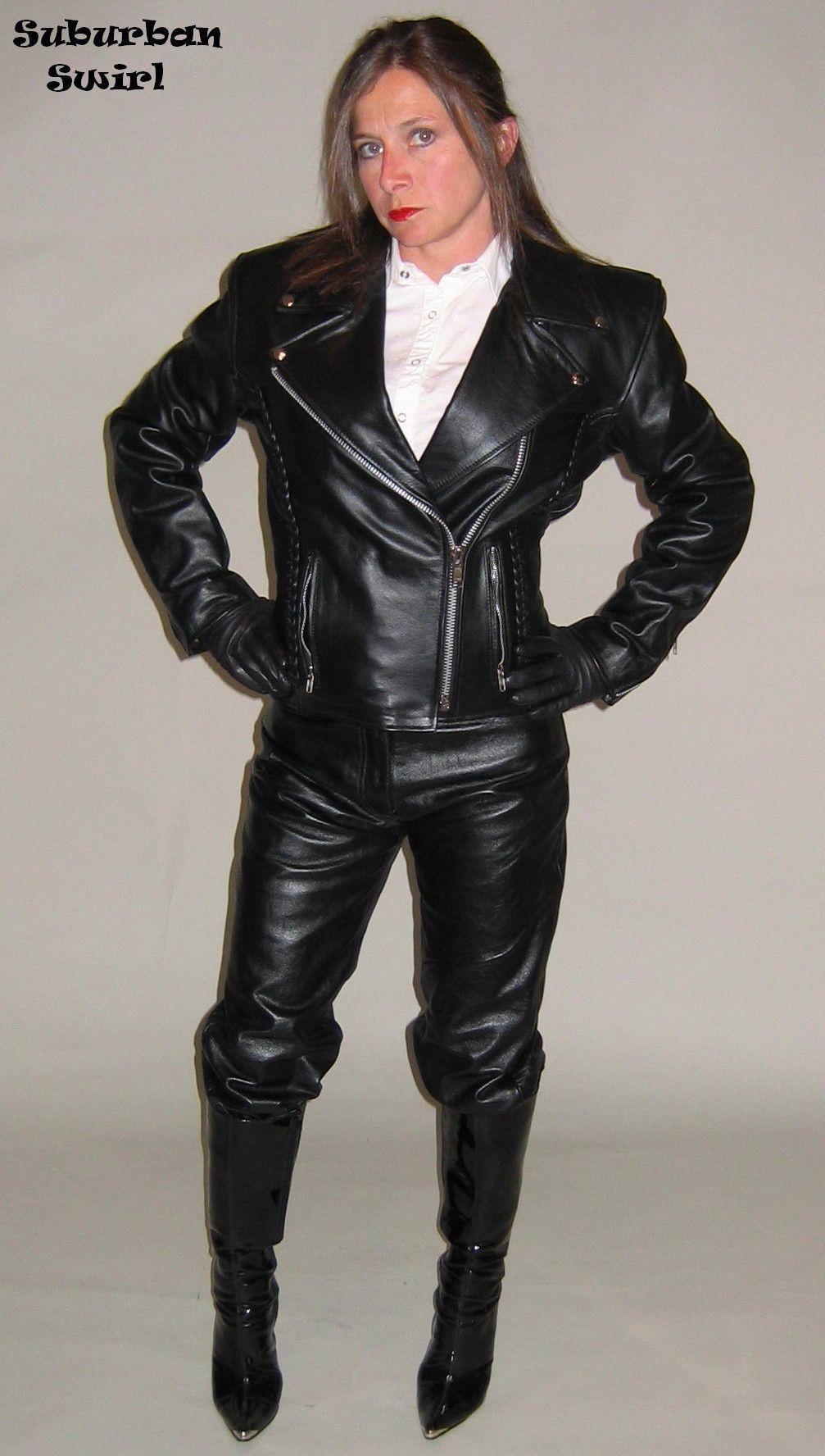 Pin op Gloved Ladies in Black Leather