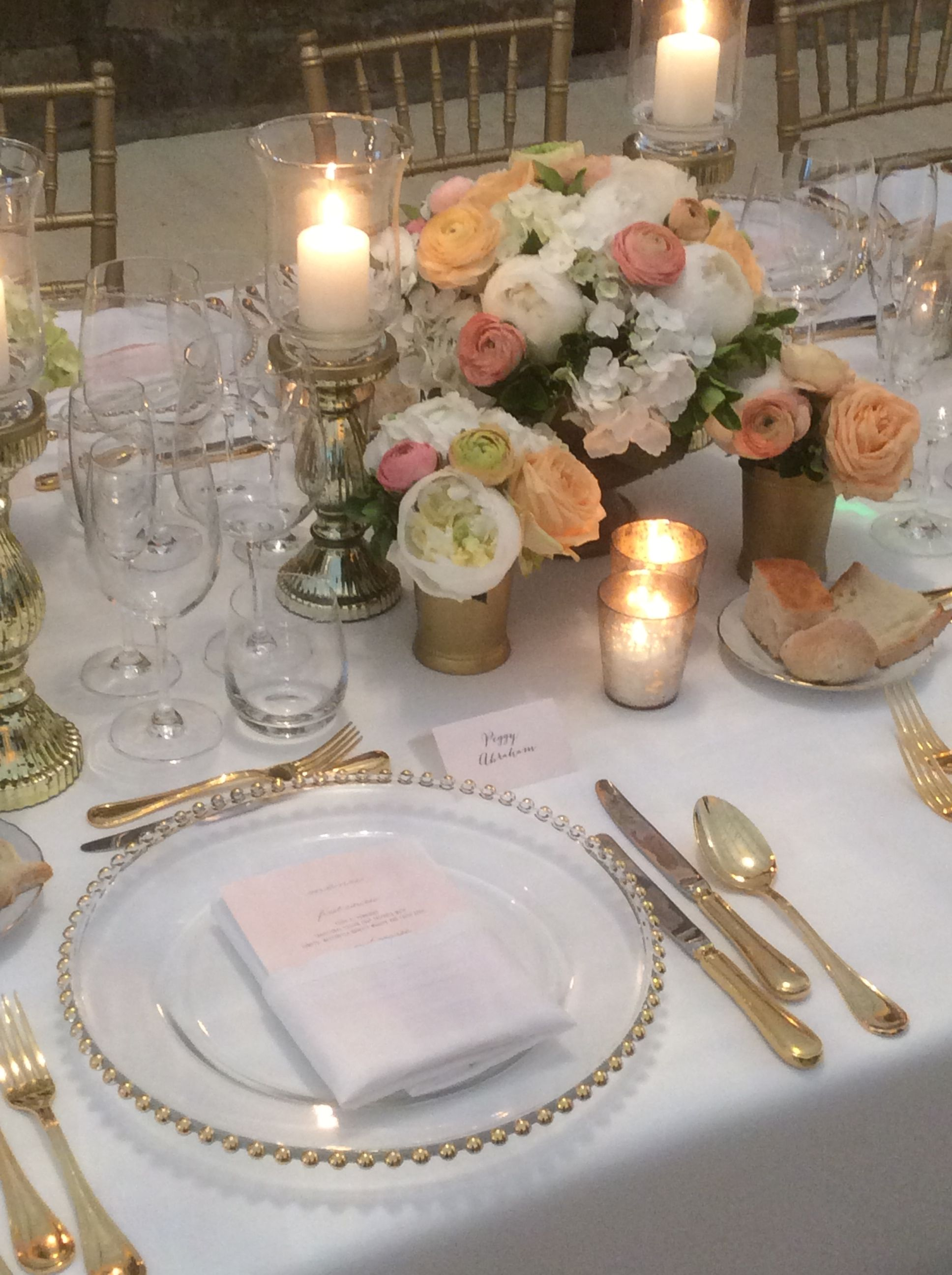 Elegant Pink and Gold table arrangements at Castello di Vincigliata #GuidiLenci and the team of www.weddingitaly.com