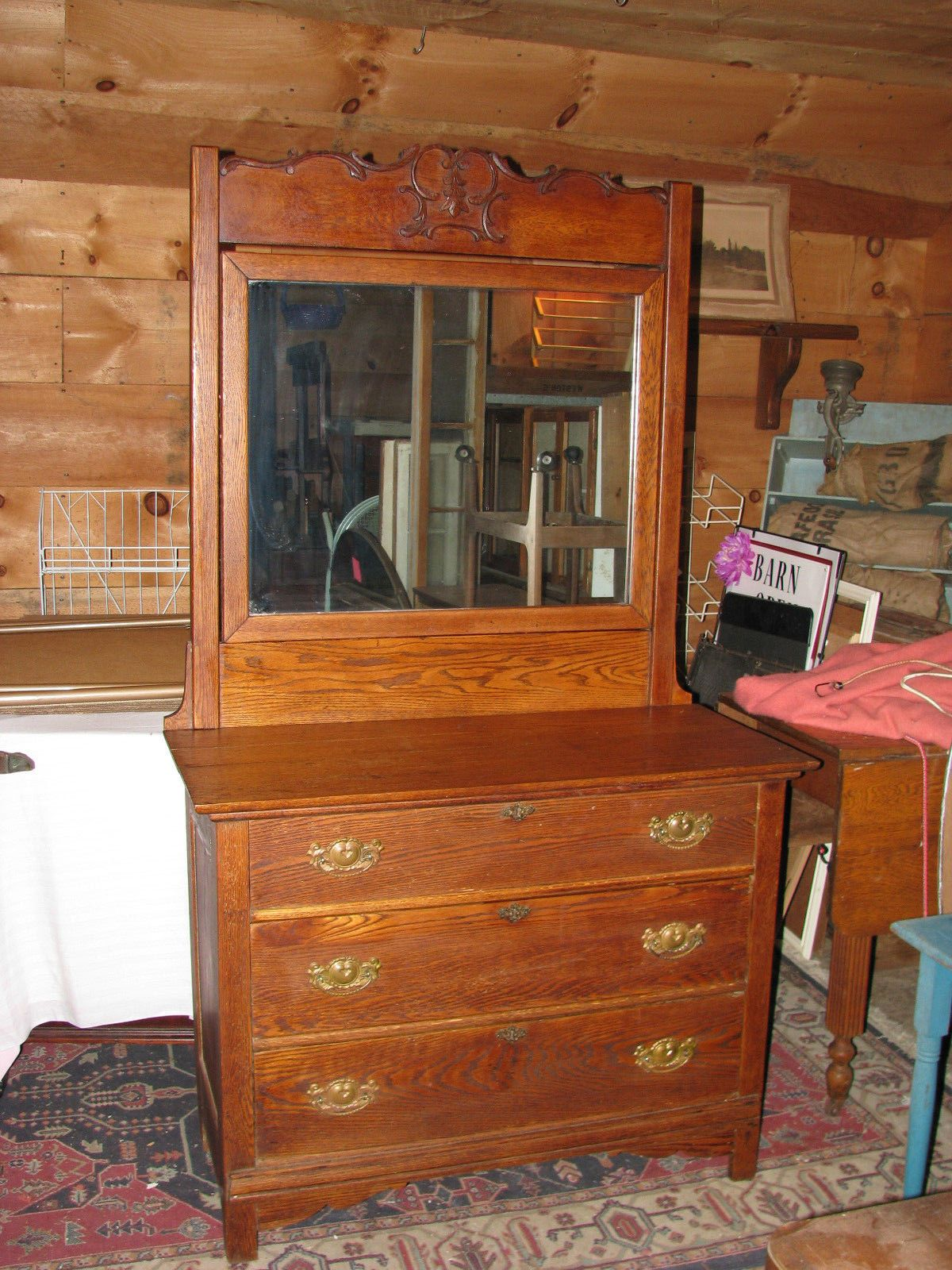 Lovely Antique Solid Oak Mirrored Bureau./Chest of Drawers https://t.co/jgShWKCHF7 https://t.co/W0JhaAytOF http://twitter.com/Foemvu_Maoxke/status/770829873636081664