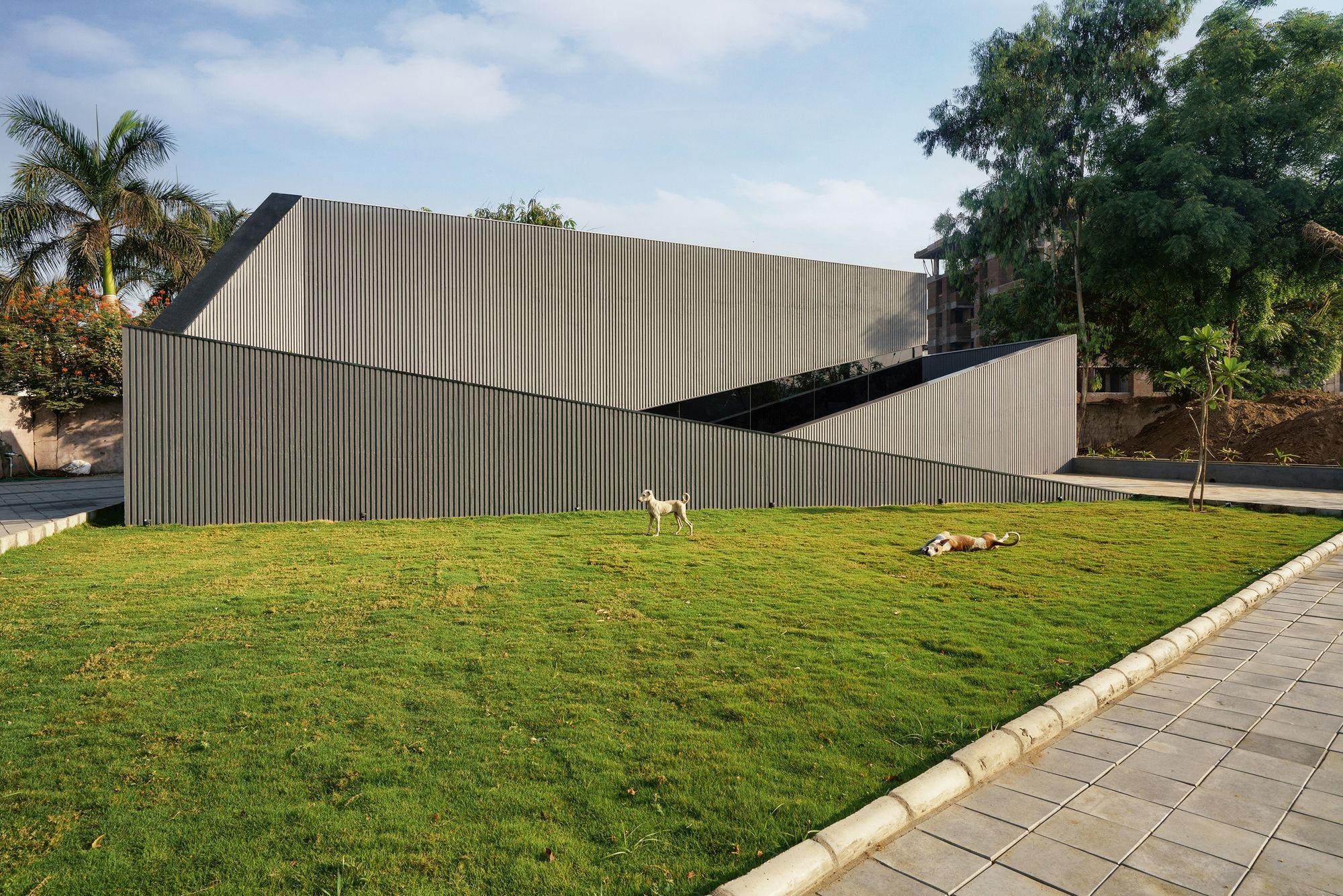 Wrapped Volumes Sales Pavilion The Bad Studio In 2020 Pavilion Architect Exterior