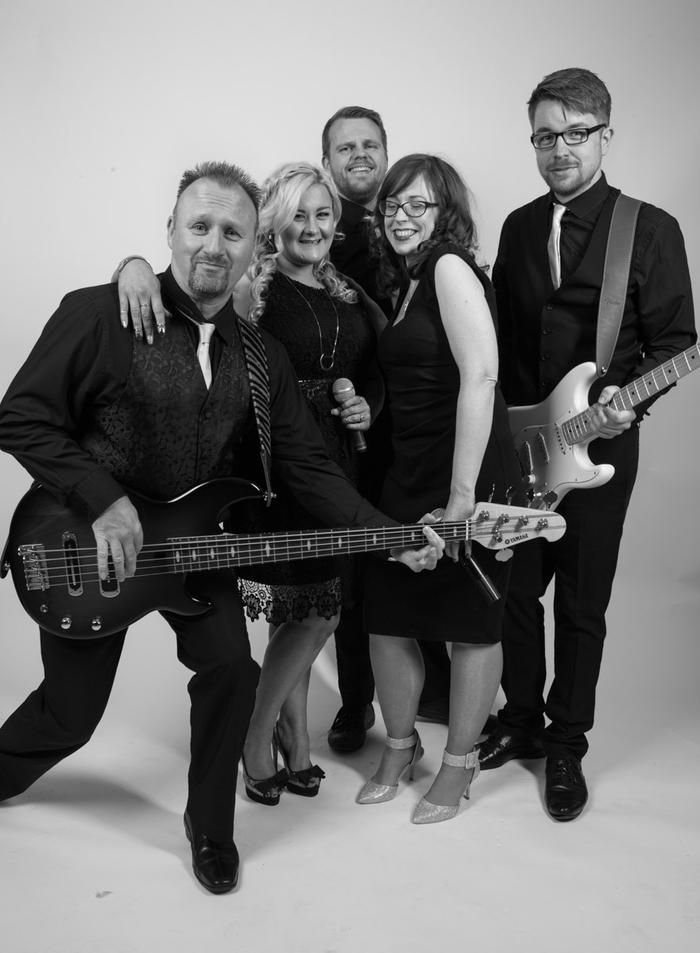 Iconic Are A Norwich Based Wedding Band With Superb Repertoire