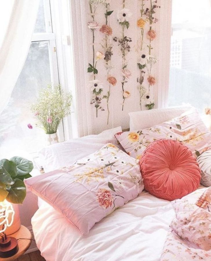 best six plants for better sleep common ivy sleep on better quality sleep with better bedroom decorations id=15626