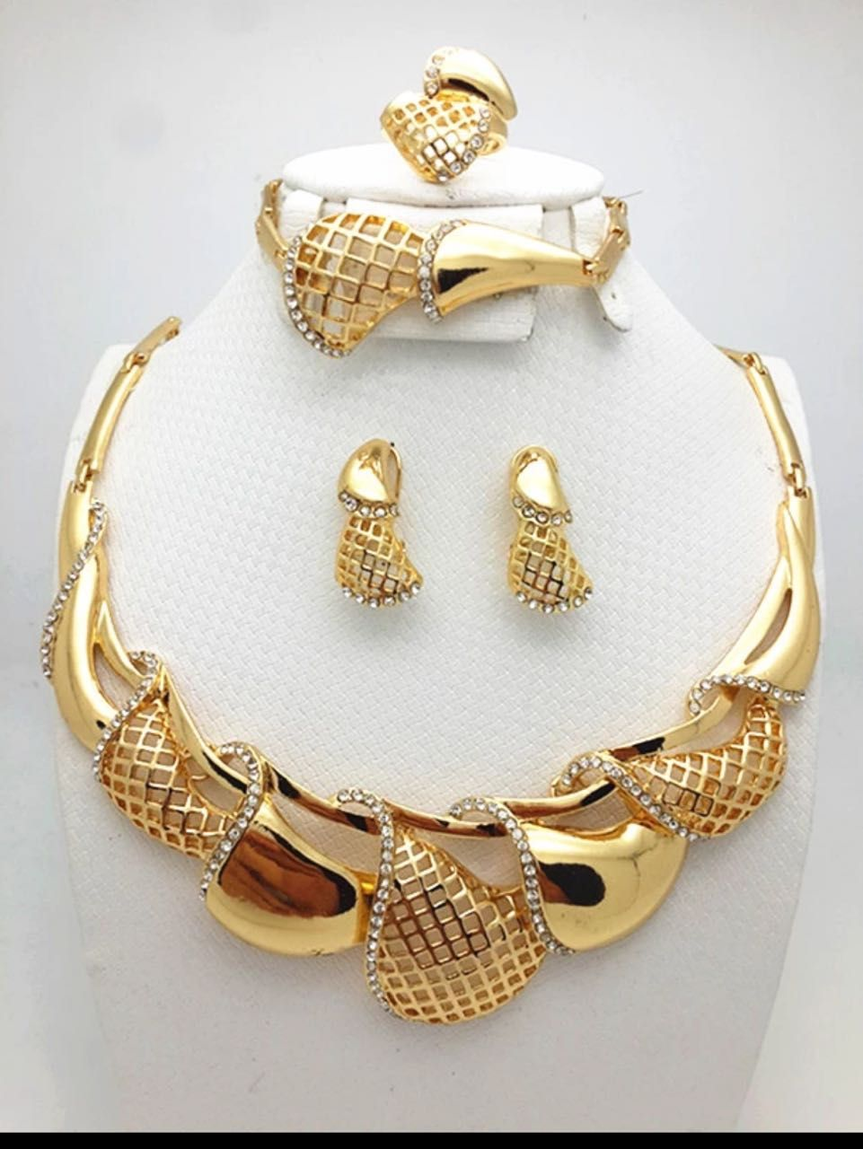 Pin by gita thakkar on classic jewelry pinterest gold jewellery