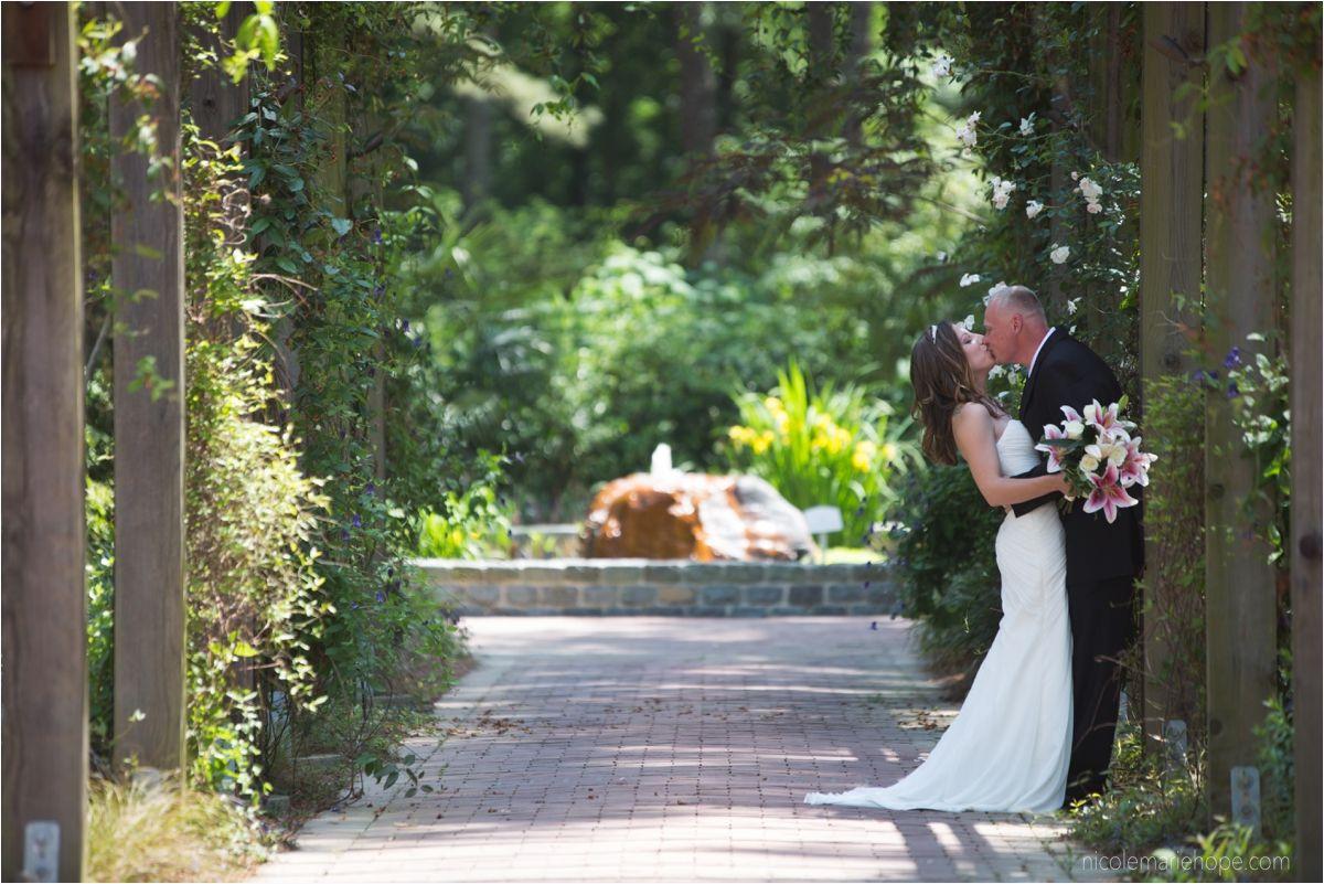 Cape Fear Botanical Garden | Fayetteville, NC | Spring Elopement Wedding  Pictures