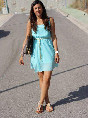 Combinar vestido azul agua