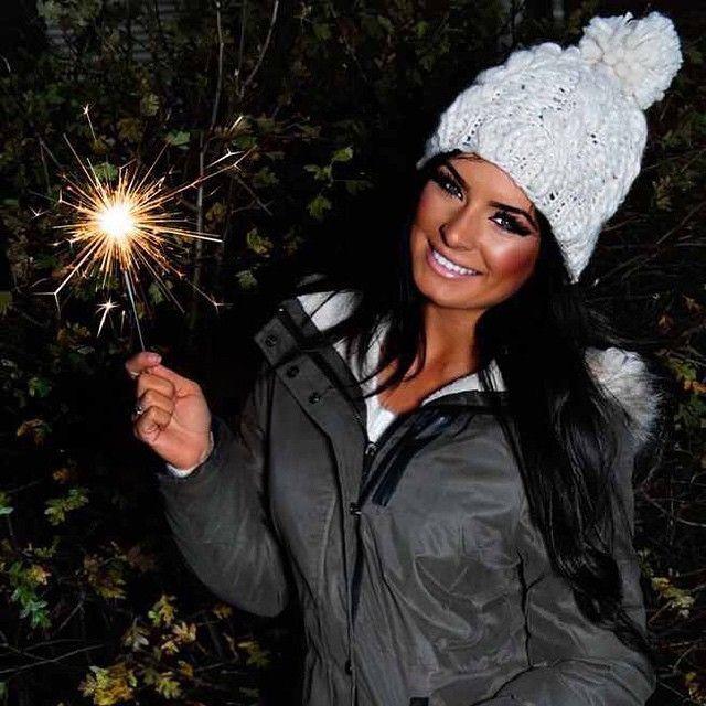 Sparkler #sparkler #bonfire #fireworks #pompom #parker #winter #shoot #Padgram