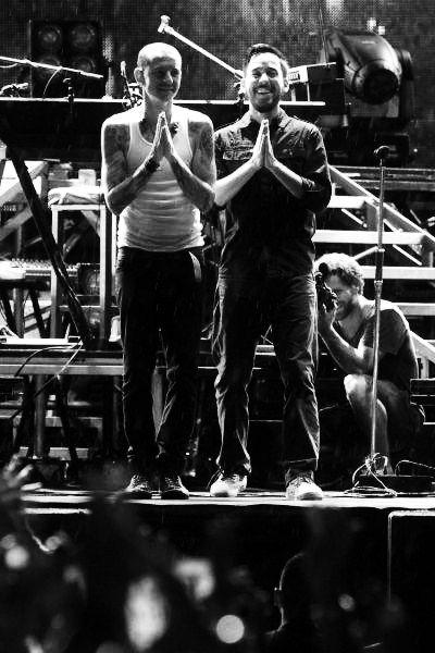God Bless Us Everyone By Vicinityofobsc3nity On Deviantart Linkin Park Chester Linkin Park Chester Bennington