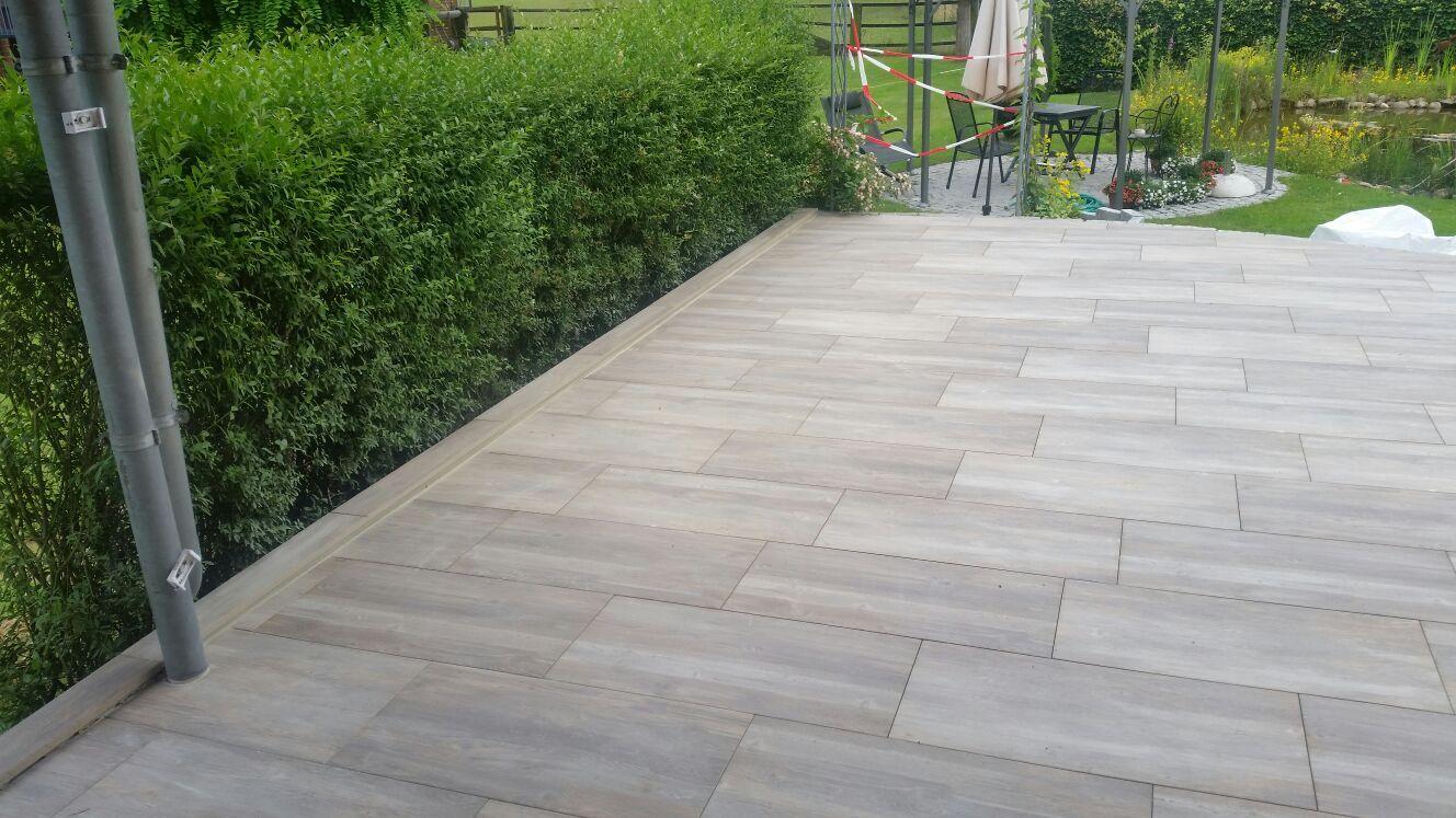 Terrasse aus Keramikfliesen   Gartengestaltung, Gartenpflege, Garten
