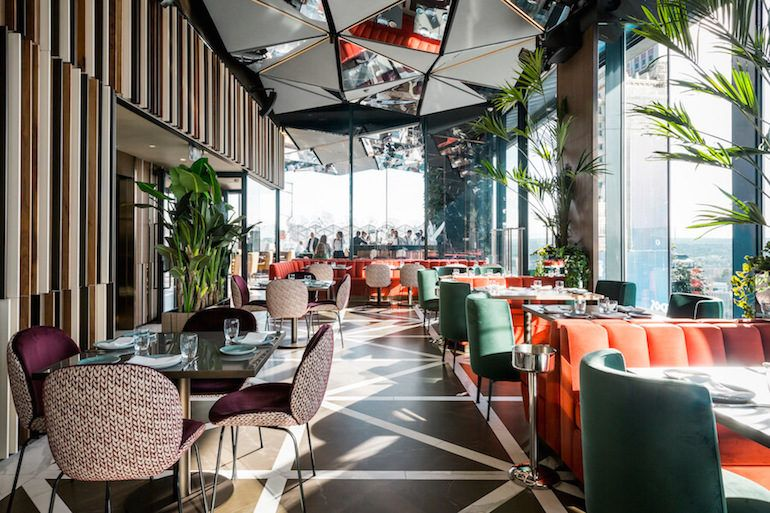 Ginkgo Sky Bar Restaurante Y Cocktail Bar Con Vistas En Madrid Bar Terraza Diseno Del Restaurante Bar De Sala De Estar