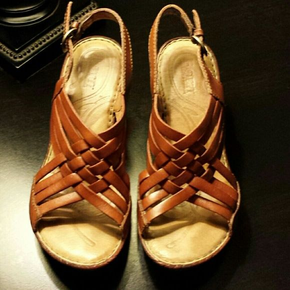Light brown leather Born sandals Lightly worn but still very nice. The leather is in great condition. Born Shoes Sandals