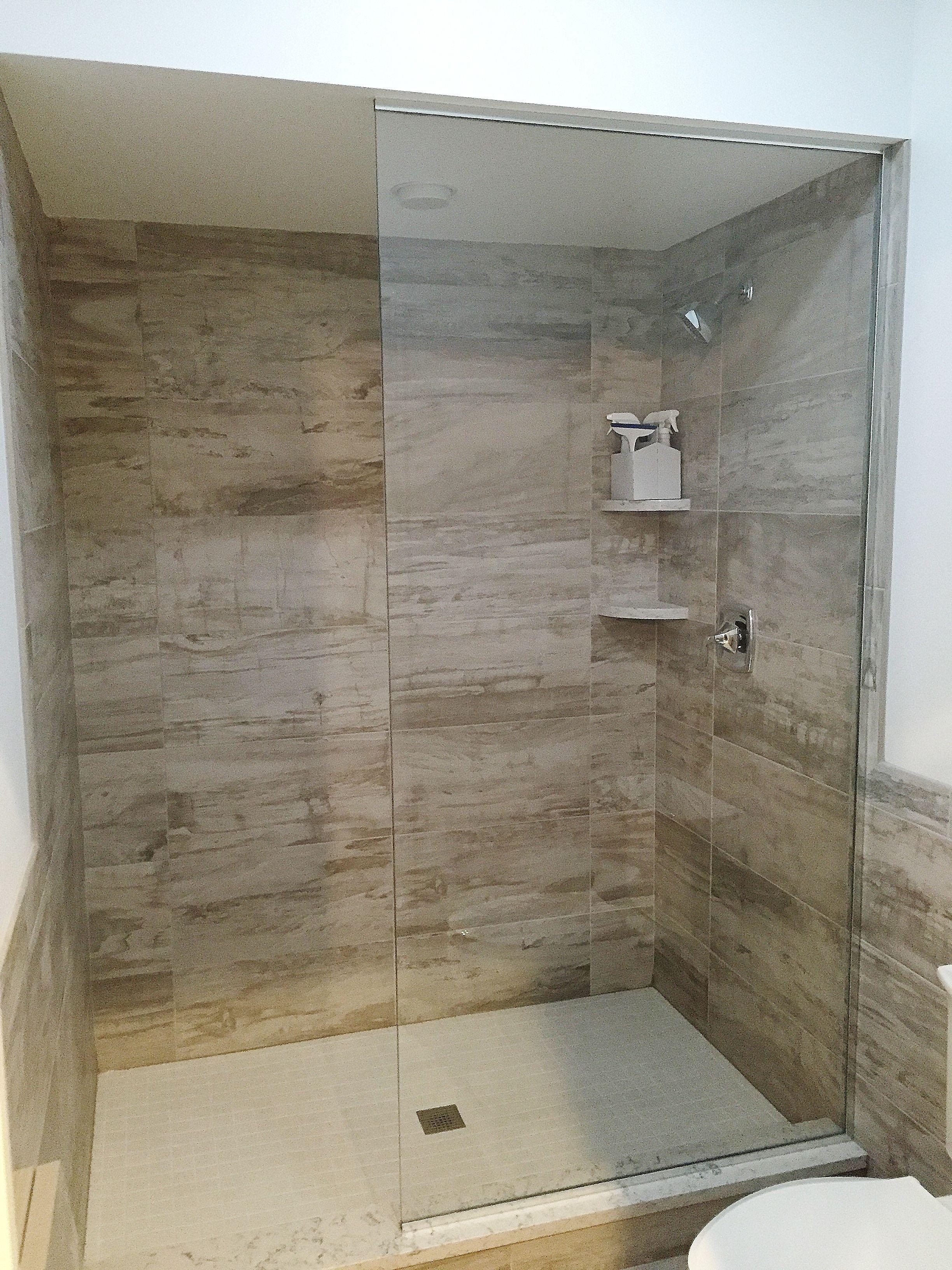 Frameless Walk-in Shower Enclosure: Floor-to-Ceiling Splash Panel ...