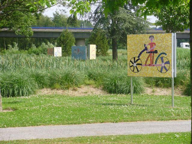 één van 20 mozaïekfietsen die waren geplaatst in het Zuiderpark Rotterdam