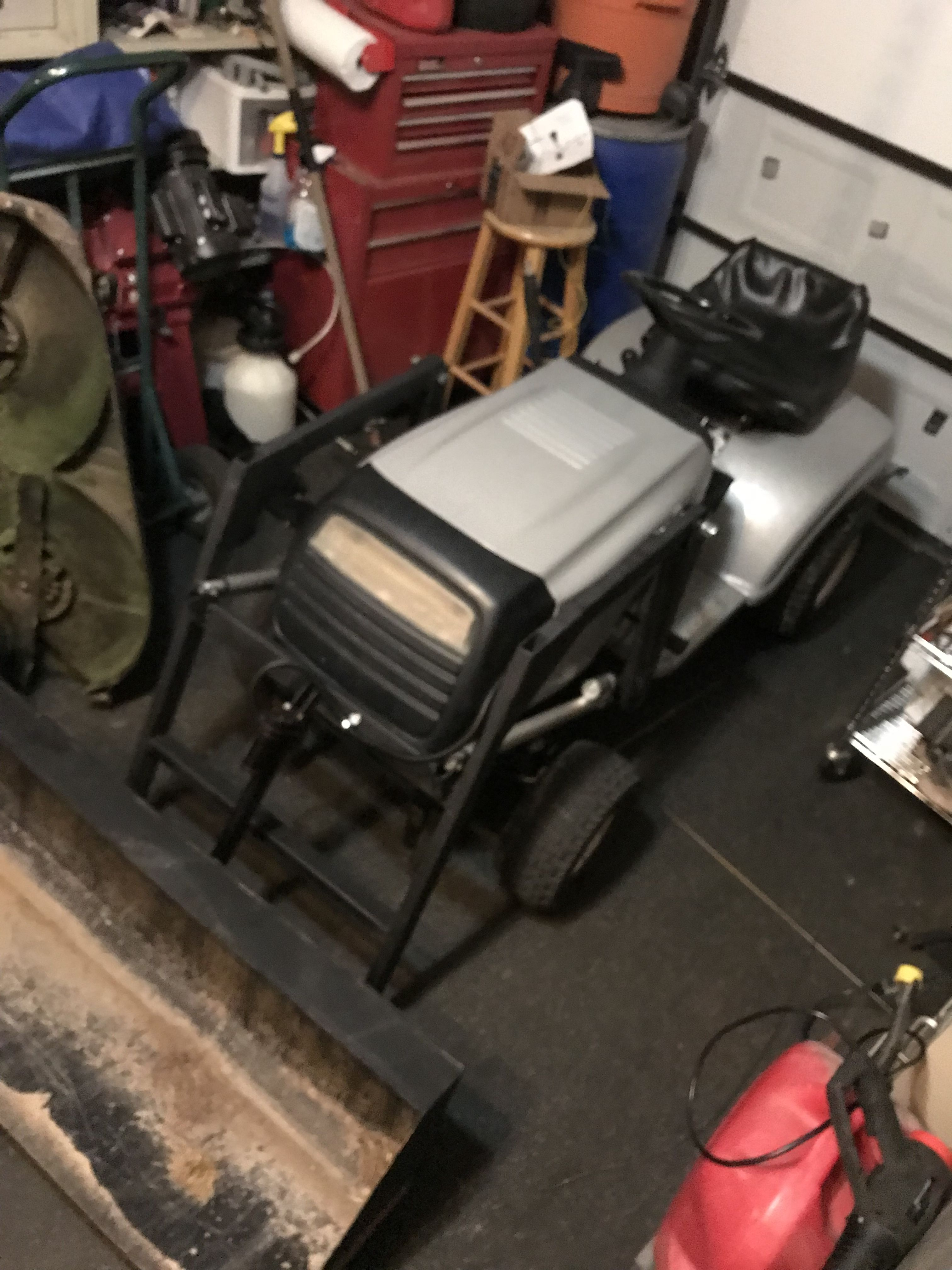 Poulan Lawn Tractor With Electric Front End Loader Complete I Finally Got Around To Wiring Up The Electrical Rams Permanen Lawn Tractor Tractor Idea Tractors