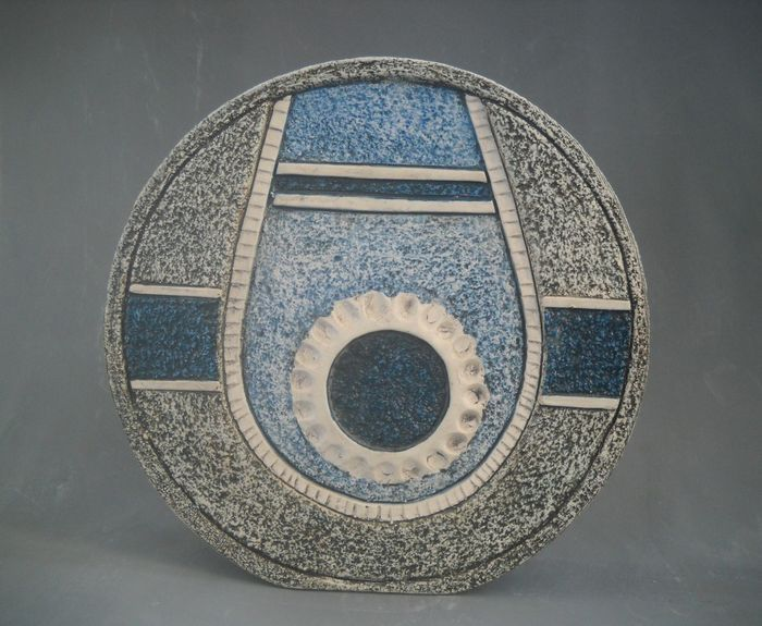 Louise Jinks For Troika Pottery Wheel Vase Pottery Ideas