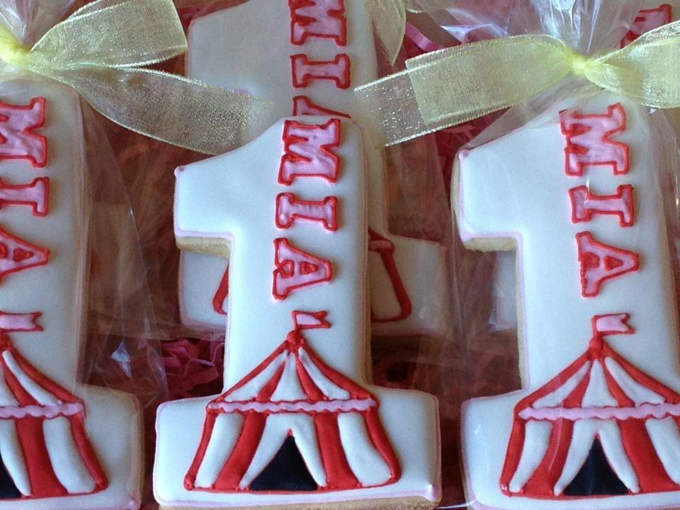 Circus Tent Cookies & Circus Tent Cookies   Cookies   Pinterest   Circus cookies ...