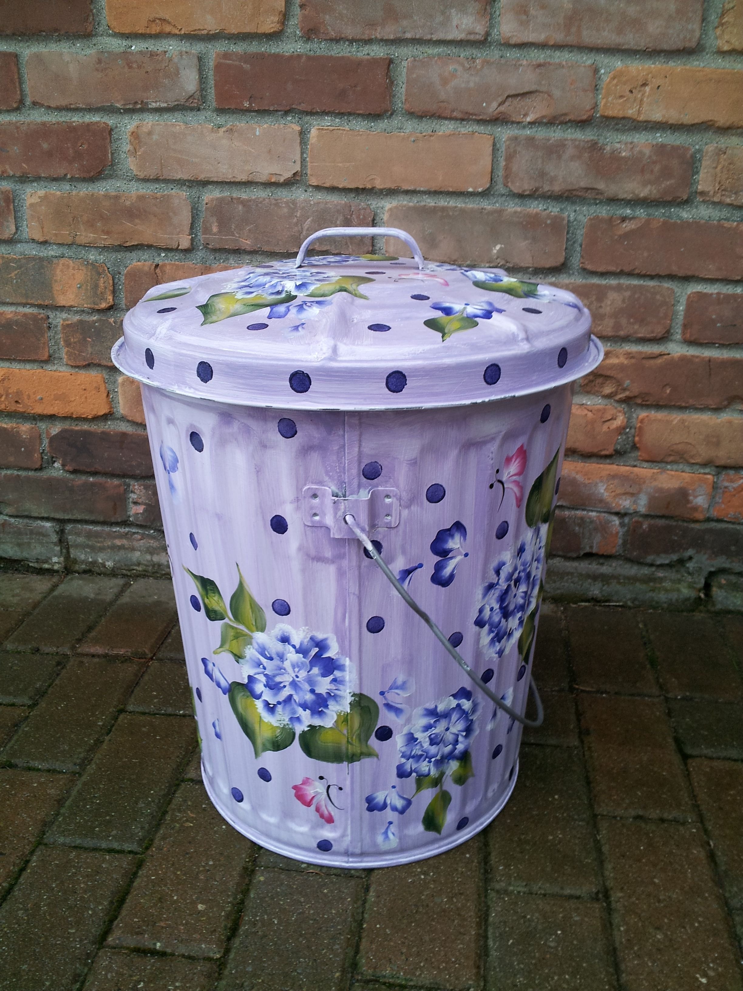 10 Gallon Hand Painted Galvanized Can Great For Bird Seed Pet