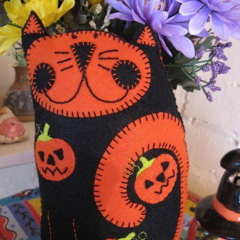 Spooky Kooky Kat Plush/Mini Pillow £15.00