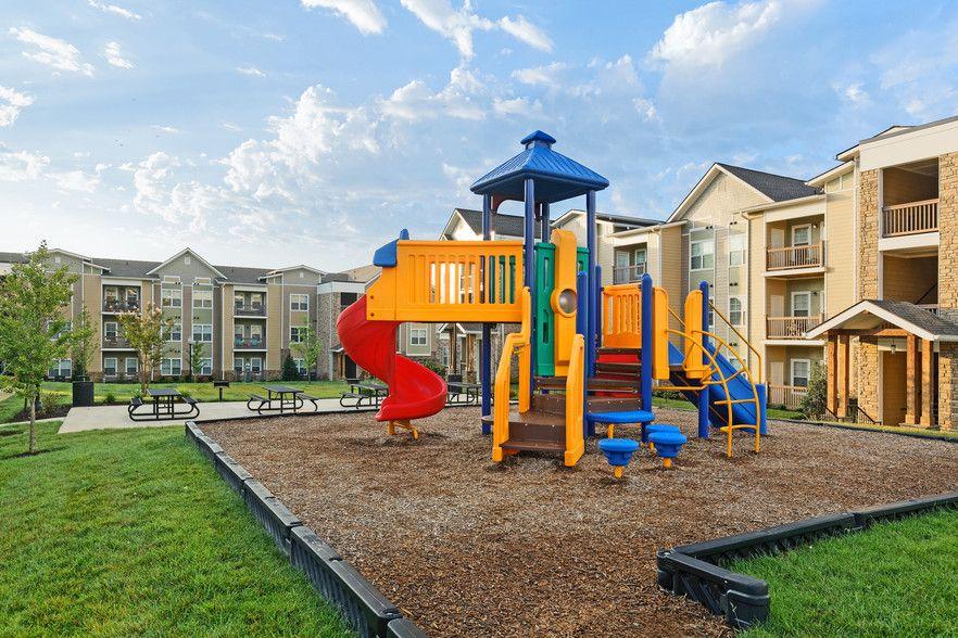 Glenbrook Apartments Rentals Hendersonville Tn Apartments Com Hendersonville Rental Apartments Apartment