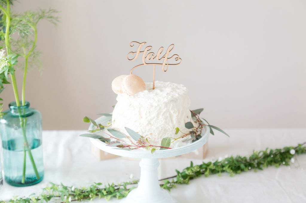 生後6ヶ月のお祝い ハーフバースデーのケーキと空間アイデア5つ Arch Daysケーキ ケーキトッパー バースデー ハーフバースデー Party Arch Days ハーフバースデー バースデー ファーストバースデー