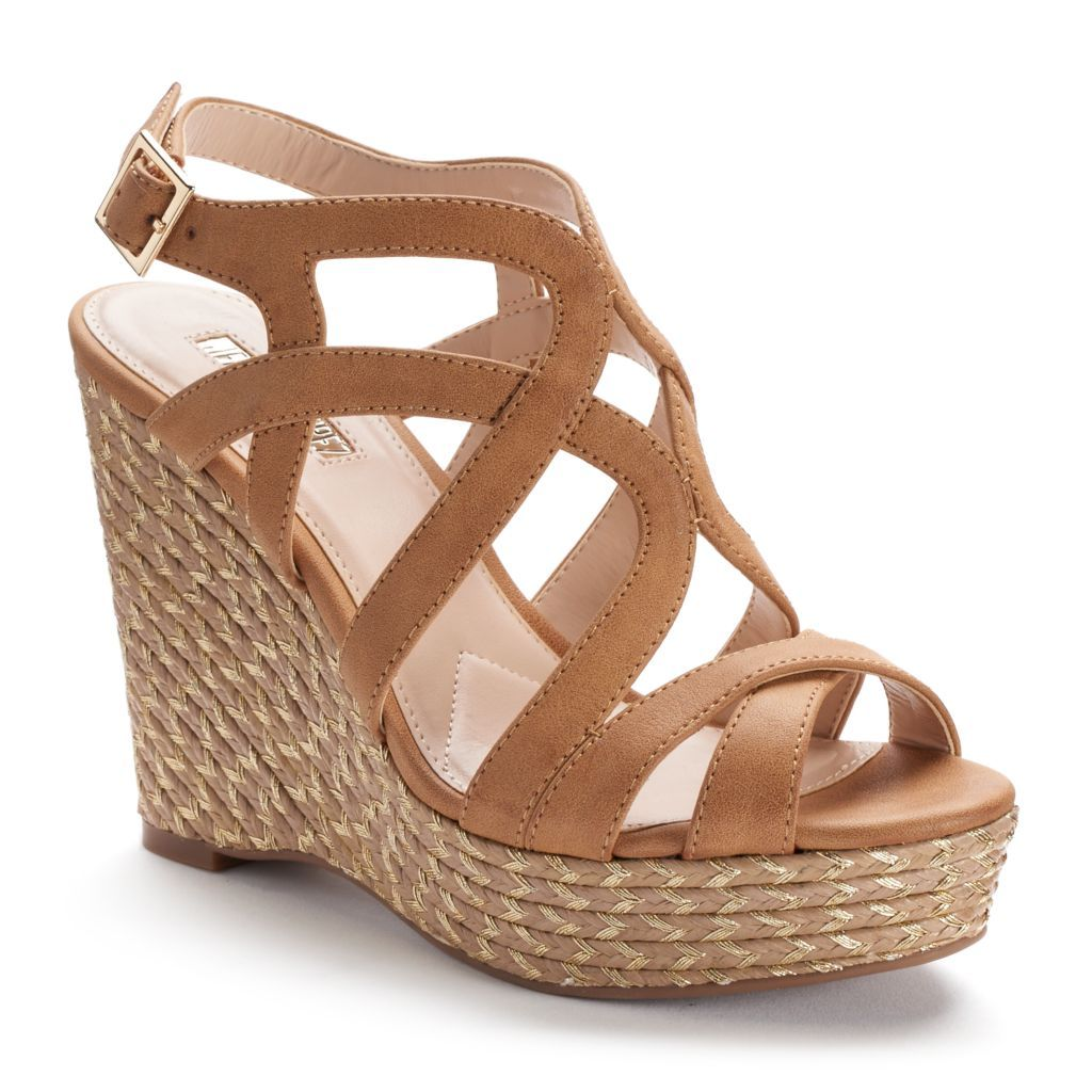 Strappy sandals wedge