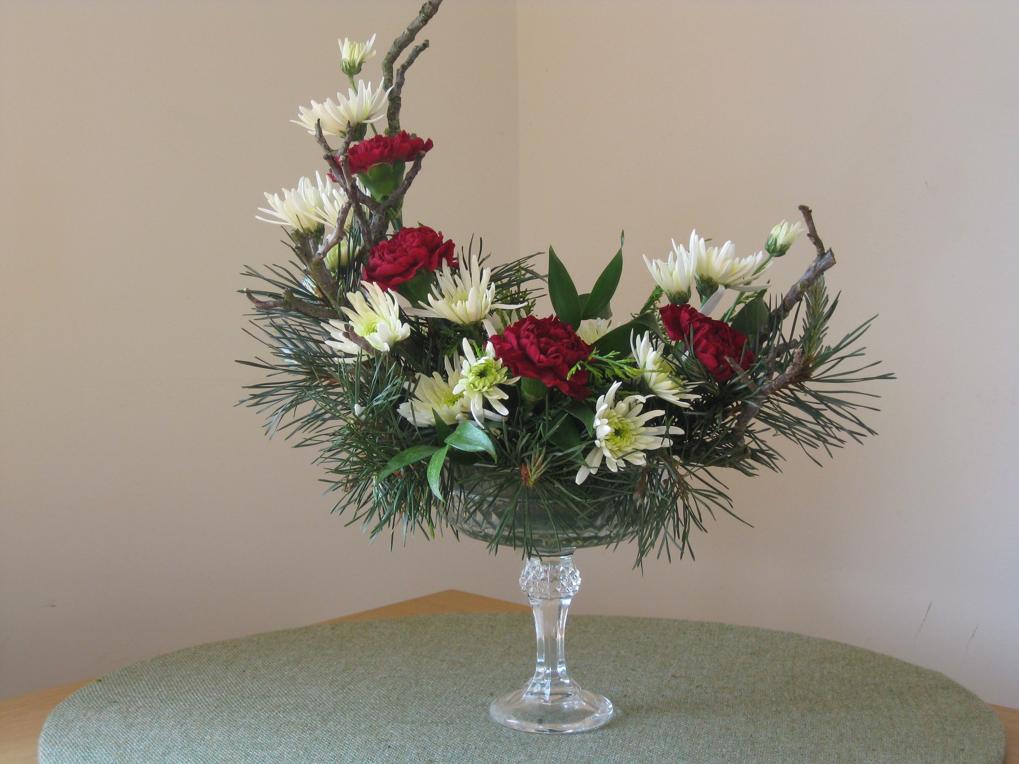 Designer Floral Arrangements | TRY MAKING A PEDESTAL DESIGN IN A ...