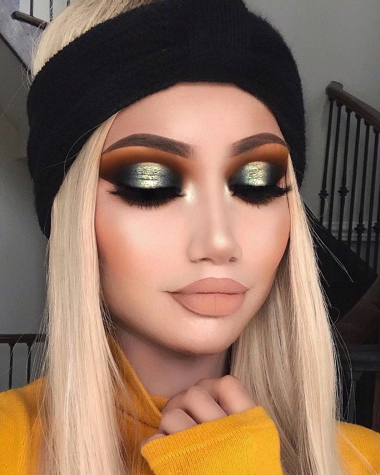 Gorgeous Eye Makeup For a Catchy and Impressive Look - eye shadow ,gold eye makeup ,eye makeup for brown eyes ,eye makeup for blue eyes #eyemakeup #eyeshadow