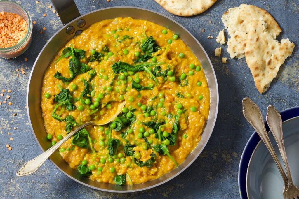 Dahl Met Spinazie Doperwten En Naanbrood Chickslovefood Recept Linzen Recepten Indiase Vegetarische Recepten Naanbrood Recept