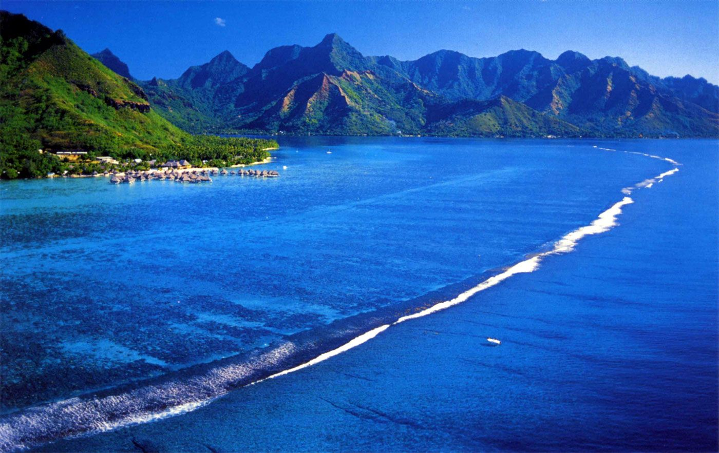 Tahiti Deep Blue Sea Paradise Of French Polynesia Bora