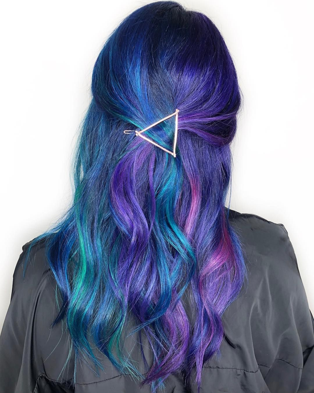 Pin By Mays On Hair Blue And Pink Hair Hair Color Dark Blue Hair Color Pink