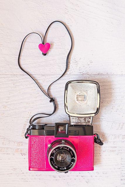 Pin By Camila Belmar Puchy On Camera Pink Camera Cute Camera Vintage Cameras