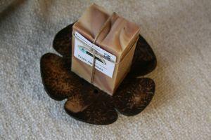 Porte savon en coco forme fleur