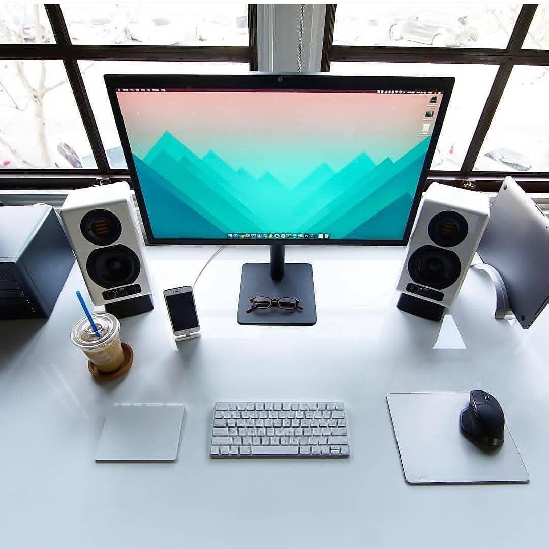 Home Deskdecor Ideas: Minimal Workspace For Home Office