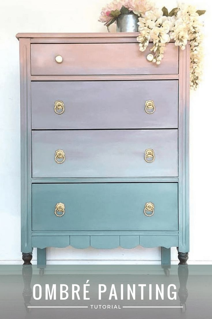 In diesem Tutorial von Jessica von Blue Peaches Furniture wird gezeigt wie man OmbréMöbel lackiert Was Sie brauchen 35 Lackfarben Eine Sprühflasche mit...