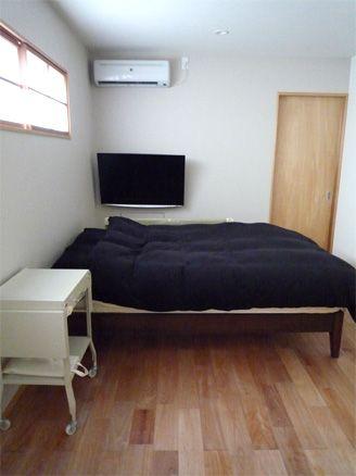 Web内覧会 寝室1 地味な配色と 地味な失敗 寝室 寝室 テレビ 模様替え
