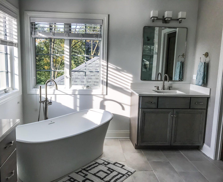 30 Small Bathroom Ideas With Tub For Your Home Anikasia Com Bathroom Design Small Free Standing Tub Small Bathroom