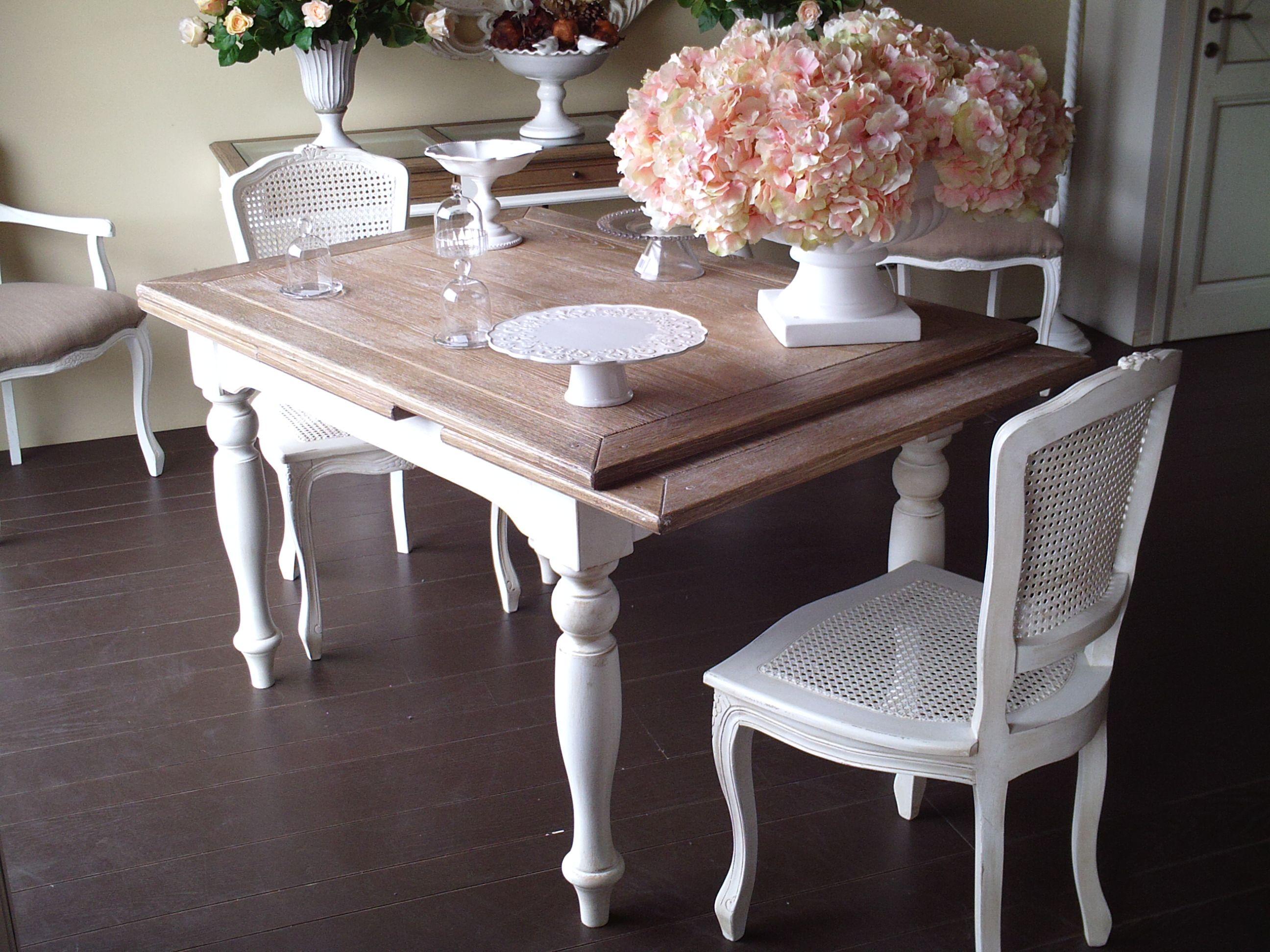 tavolo allungabile, piano rovere, con sedie in paglia di vienna ...