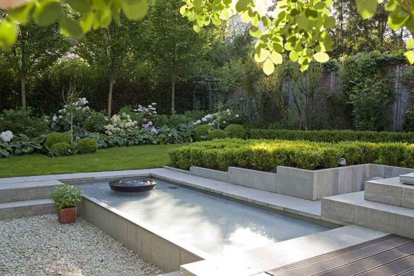 Moderne Gartengestaltung Mit Wasserbecken Google Suche Garden Wasserbecken Garten Bachlauf Im Garten Gartengestaltung