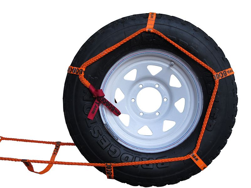 BOG OUT new 4WD recovery system turns wheels into winches