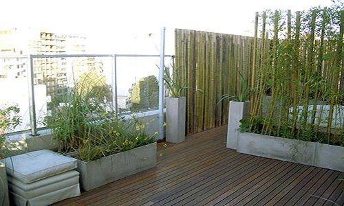 Decoraci n del balc n con bamb cosas para hacer for Jardines minimalistas con bambu